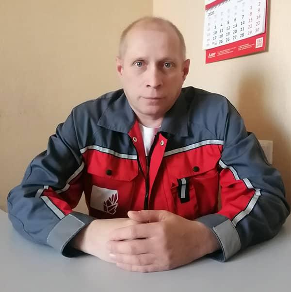 """Сервисный инженер компании """"Академия Холода"""" Коренев Эдуард"""